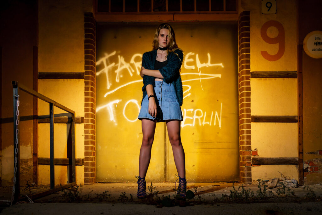 Portrait Kreativ Shooting Frau Urban Trash Beauty